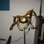 Paard verguld windwijzer